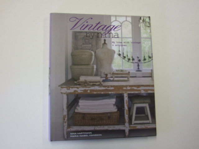 Vintage By Nina : My Home with Vintage & Antiques