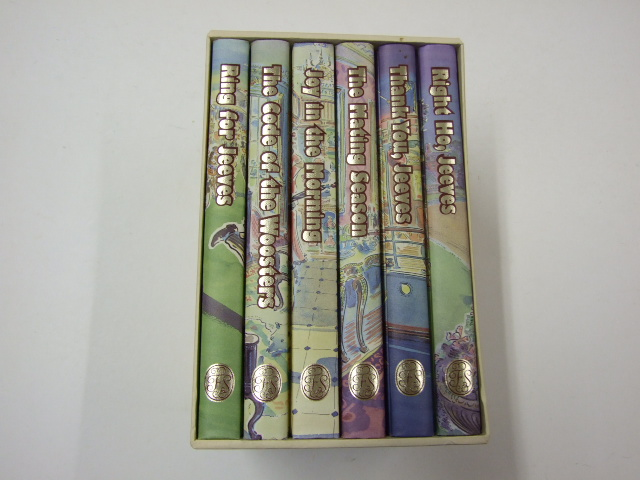 Thank you, Jeeves / Joy in the Morning / The Mating Season / The code of the Woosters / Right ho, Jeeves / Ring for Jeeves. Boxed Set in cream superbly illustrated slipcase.